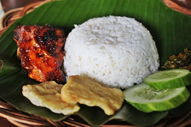 Where To Stay And What To Eat In Jakarta